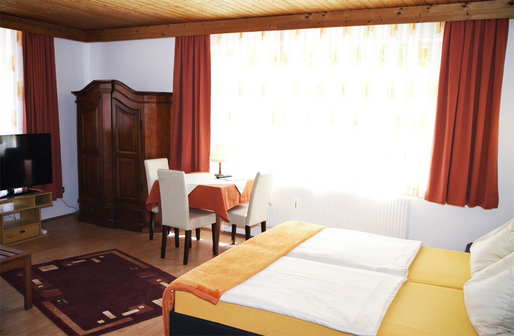 Alle Zimmer sind mit DU/WC/TV und W-Lan ausgestattet